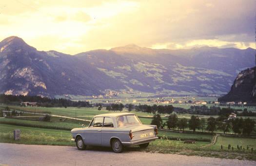 Autofahrt durch die Berge