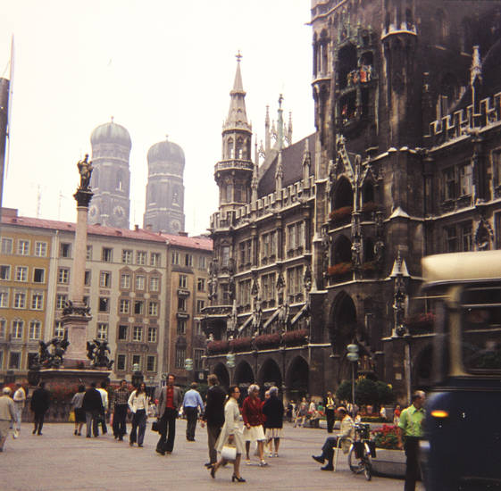 Frauenkirche, glockenspiel, Marienplatz, münchen, Rathaus, Straßenbahn