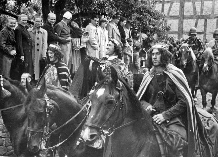 festumzug, König, Pferd, ritterspiele, Zuschauer