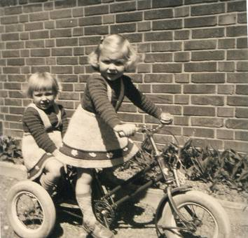 Meine Schwestern 1956