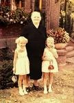 Oma mit Enkelinnen 1956