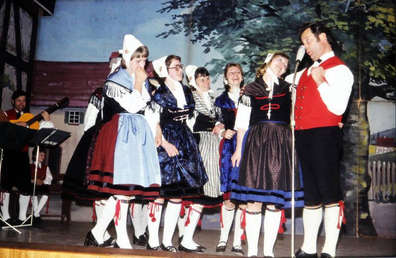 Aufführung, bühne, Gesang, Kostüm, Singen, tanz, Tracht, verkleidung