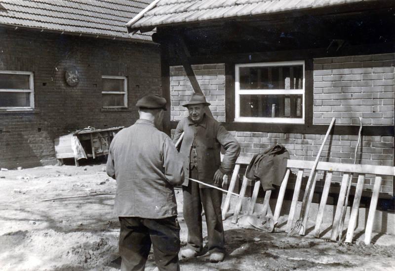 Bauer, Hof, Holzschuhe, Landwirtschaft