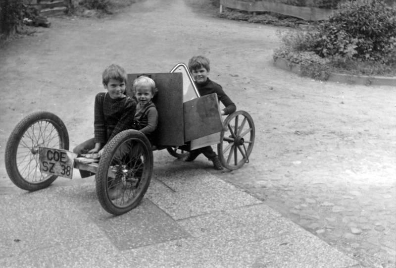 fahrzeug, Geschwister, Kindheit, seifenkiste