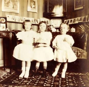 Die Drei in Weiß