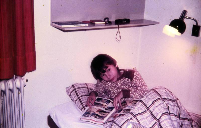 bett, comic, Comicheft, Kindheit, lampe, Lesen, Schlafzimmer