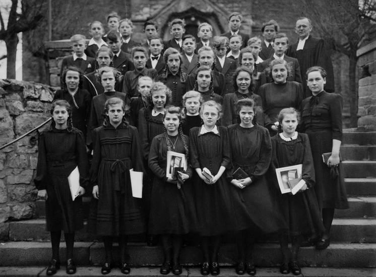 bibel, Brille, evangelisch, jugend, Kindheit, Konfirmation, Pfarrer, protestantismus, Religion