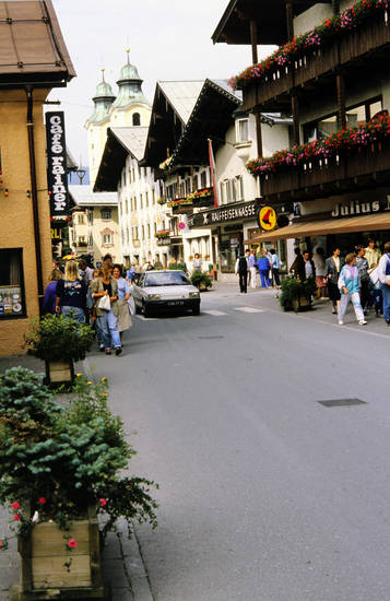 Bahnhofweg, Cafe rainer, Julius Meinl, Österreich, Renault, St. Johann, St. Johann in Tirol