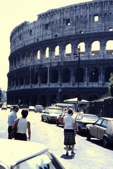 Vor dem Kolosseum