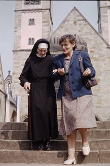 Auf den Stufen der Basilika