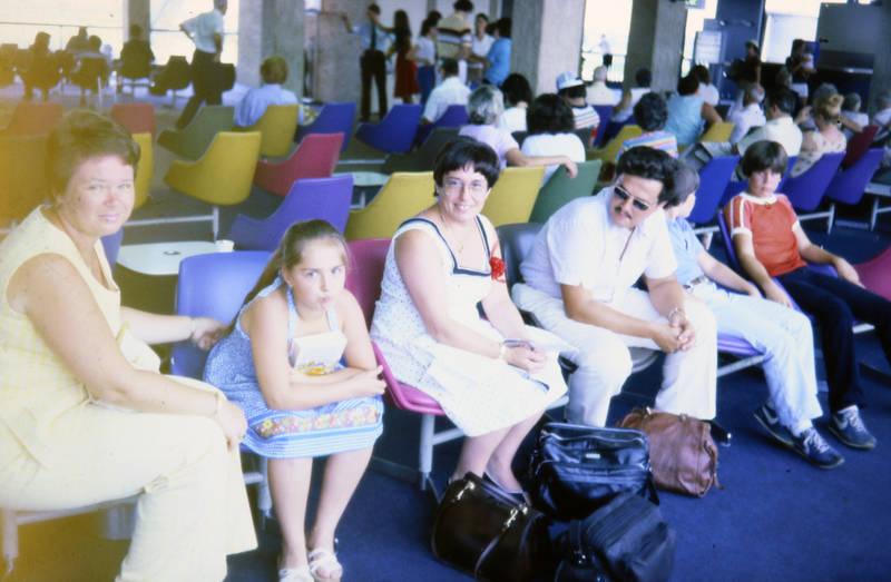 Abflughalle, familie, Flughafen, reise, urlaub, Wartehalle, Warten
