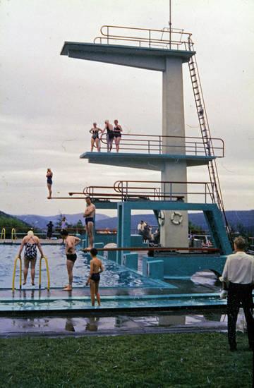 Badekappe, bademode, freibad, schwimmbad, Springturm, Sprungturm