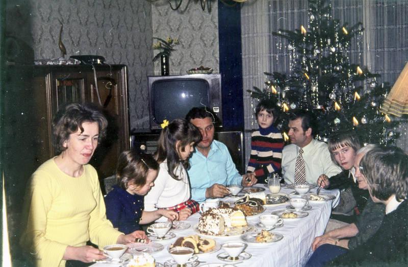 familie, kafeetafel, kaffee, kuchen, Lametta, Marmorkuchen, Weihnachten