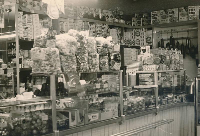 Cornflakes, Filiale, geschäft, Idar-Oberstein, konservendosen, lebensmittel, Lebensmittelgeschäft, nur die, Strumpfhose, supermarkt, tante-emma-laden, vivo, wick