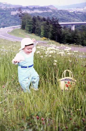 enzweiler, Kindheit, korbtasche, mode, Pfingsten, Tasche, wiese