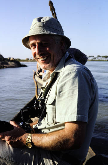 armbanduhr, boot, fluss, Fotoapparat, hut, Kamera, lächeln, Niger, tourist
