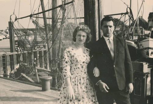 Paar am Hafen