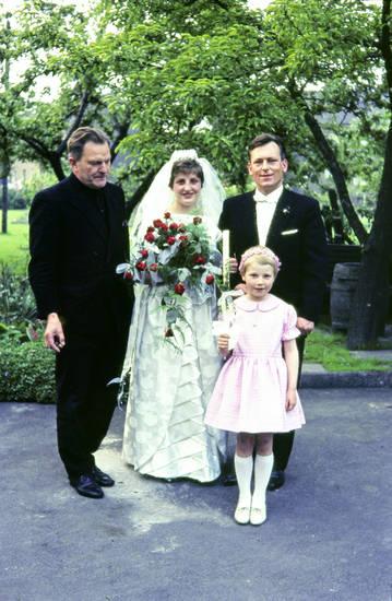 Braut, Bräutigam, Dortmund, familie, Hochzeit, Liebe, weißes Kleid