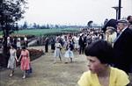 Besucher stürmen das Gelände