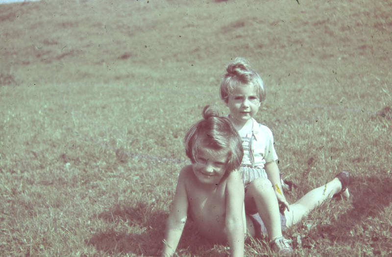 Geschwister, Kindheit, lachen, spielen