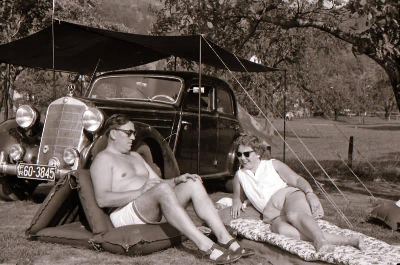 auto, campen, campingstuhl, KFZ, Luftmatratze, mercedes, PKW, sonnenbrille, zelten