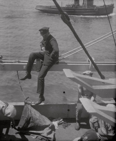 Kapitän, Kreuzer, Kreuzer Emden, Reichsmarine, schiff, Schulschiff, Uniform, Weimarer Republik