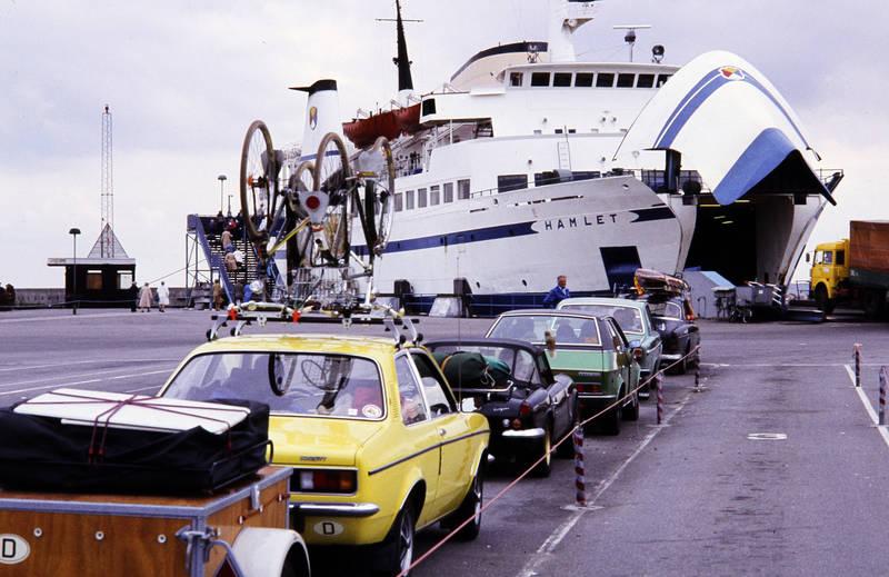 amazon, auto, Autofähre, Dachgepäckträger, fahrrad, Gepäck, Hafen, hamlet, kadett, KFZ, Opel, passagier, PKW, rad, reise, schiff, urlaub, Urlaubsreise, volvo