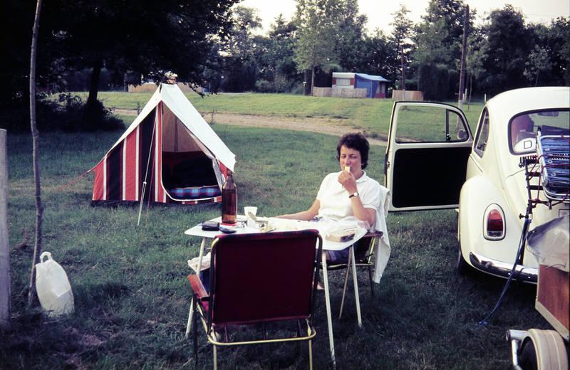 auto, camping, Campingplatz, KFZ, PKW, tisch, urlaub, Urlaubsreise, zelt