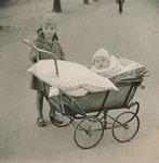 Kinder und Kinderwagen