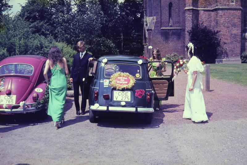 auto, Braut, brautkleid, Coesfeld, Heirat, Hoch lebe das Brautpaar, Hochzeit, käfer, KFZ, PKW, Renault, volkswagen