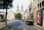 Vor der Kathedrale von Moulins