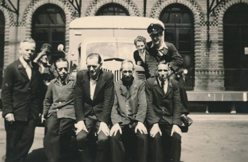 Aachen, Arbeitskleidung, Hauptpost, lieferauto, Post, Postauto, postbeamter, Uniform