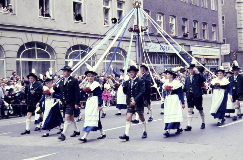 Feierlichkeit, fest, festumzug, festwagen, münchen, Oktoberfest, Schützenumzug, schwanthalerstraße, trachtenumzug, Umzug