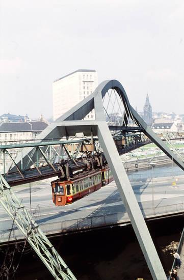 Glanzstoff, Gleis, Hochhaus, kirche, Schwebebahn, wupper, Wuppertal