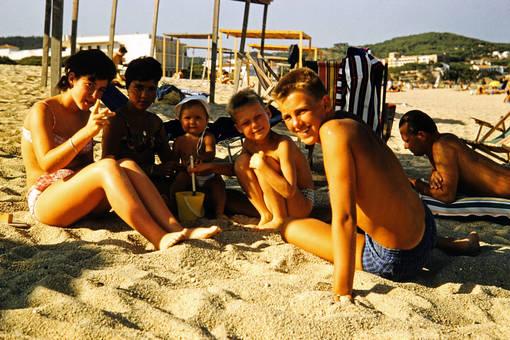 Am Strand von Aro