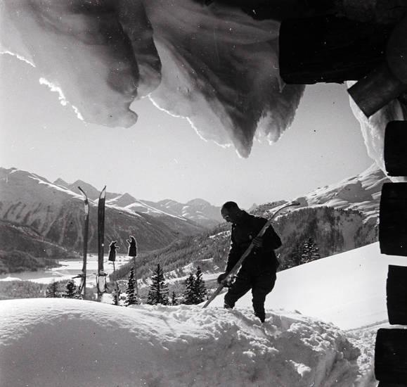 Alpen, hütte, schnee, Schneedecke, Ski, Skiläufer
