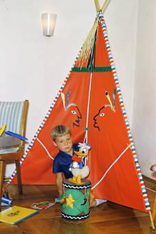 Donald bewacht das Zelt