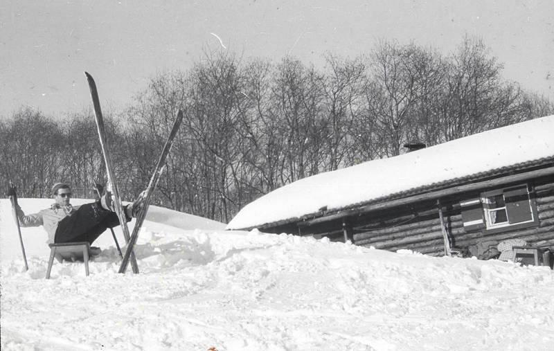 Berge, berghütte, entspannung, hütte, mittagspause, pause, schnee, skier, skiurlaub, urlaub, winterurlaub