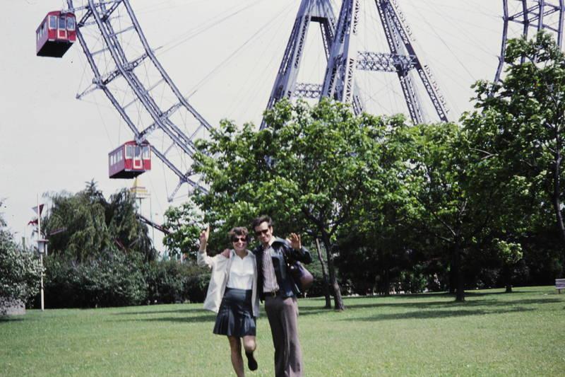 ausflug, mode, Österreich, Paar, Prater, riesenrad, rock, sonnenbrille, Wien, Winken