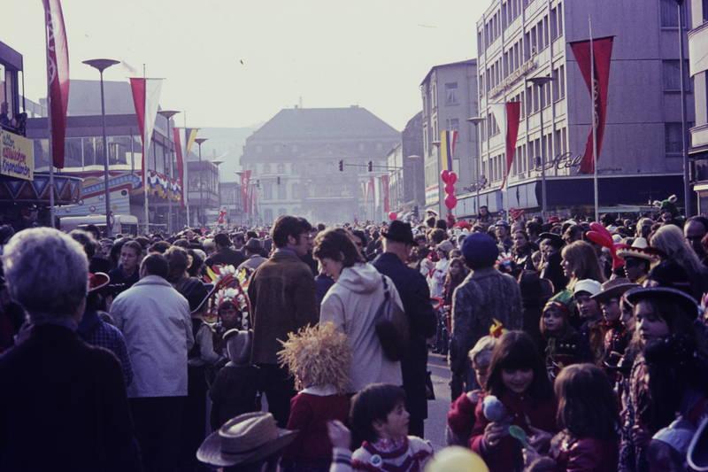 Bassenheimer hof, Fasching, fastnacht, feier, fest, karneval, Kindheit, Kostüm, Schillerplatz, schillerstraße, verkleidung