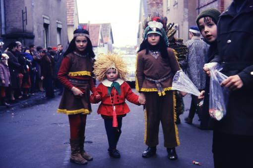 Kinder in Verkleidung