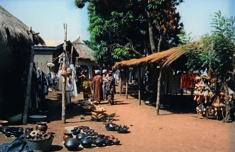 Elfenbeinküste, Korhogo, markt, mode, schüssel, töpferware, Traditionelle Kleidung