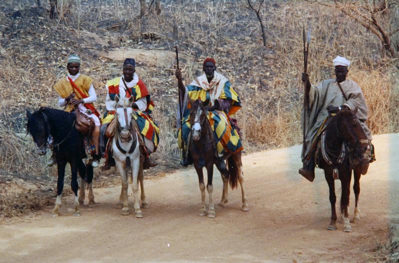 Kamerun, mode, Pferd, reiten, Sper, Traditionelle Kleidung