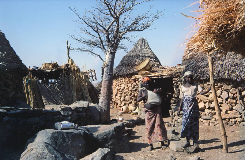 dorf, hütte, Kamerun, Kindheit, mode, Mutter, strohdach, Traditionelle Kleidung
