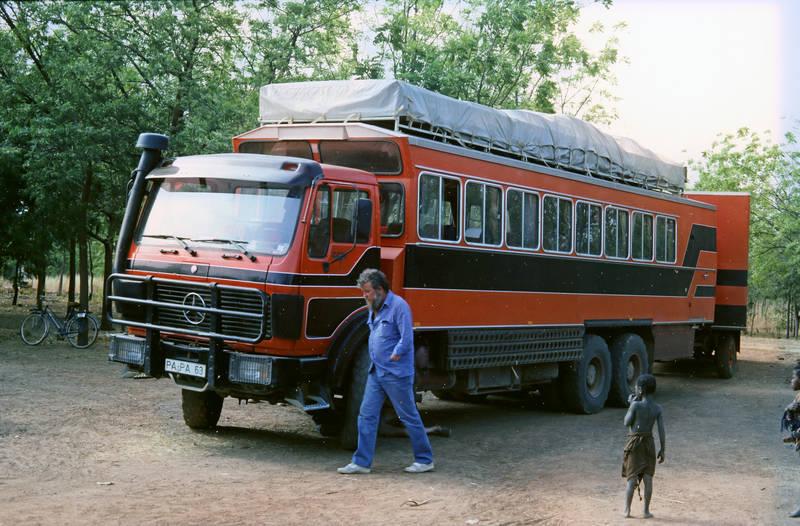 Burkina Faso, Kindheit, Lastwagen, mercedes, reise, Reisebus, Rotel Tours
