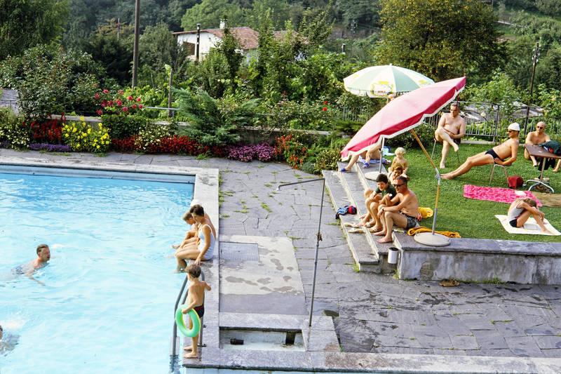 badehose, Bikini, Blume, Cadenabbia, Handtuch, pool, San Pietro, Schwimmreifen, Sonnenschirm
