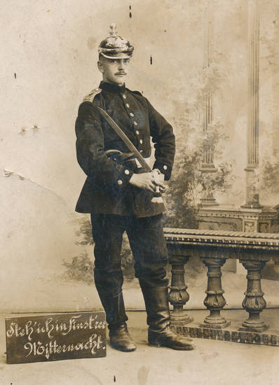 Deutsches Heer, Fotoatelier, kaiserreich, Pickelhaube, Portrait, porträt, Schild, soldat, Uniform