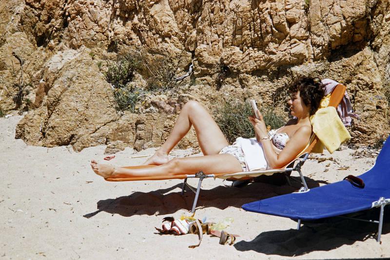 Bikini, Buch, Castell Platja d'aro, sand, Sonne, Sonnenliege