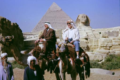 Vor der Sphinx