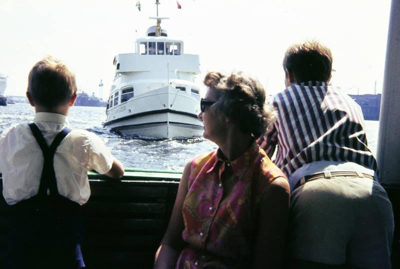 boot, fähre, hamburg, Hemd, hosenträger, Kindheit, schiff, Schifffahrt, sonnenbrille